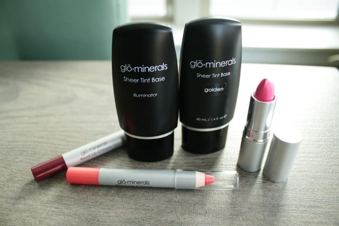 Glo Minerals Makeup Review via My Boring Closet